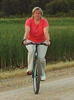 Betty on her bicycle with a Spiderflex Seat